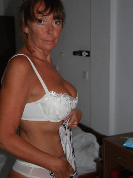 Mon mari me délaisse je suis en manque j'ai 54 ans